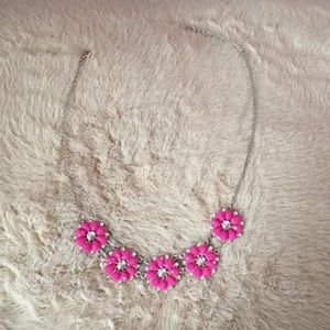 Jewelry - Floral pattern necklace